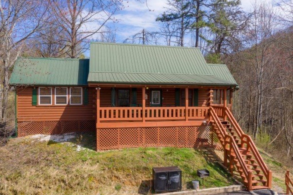 Photo of a Pigeon Forge Cabin named Mountain Breeze - This is the nineteenth photo in the set.
