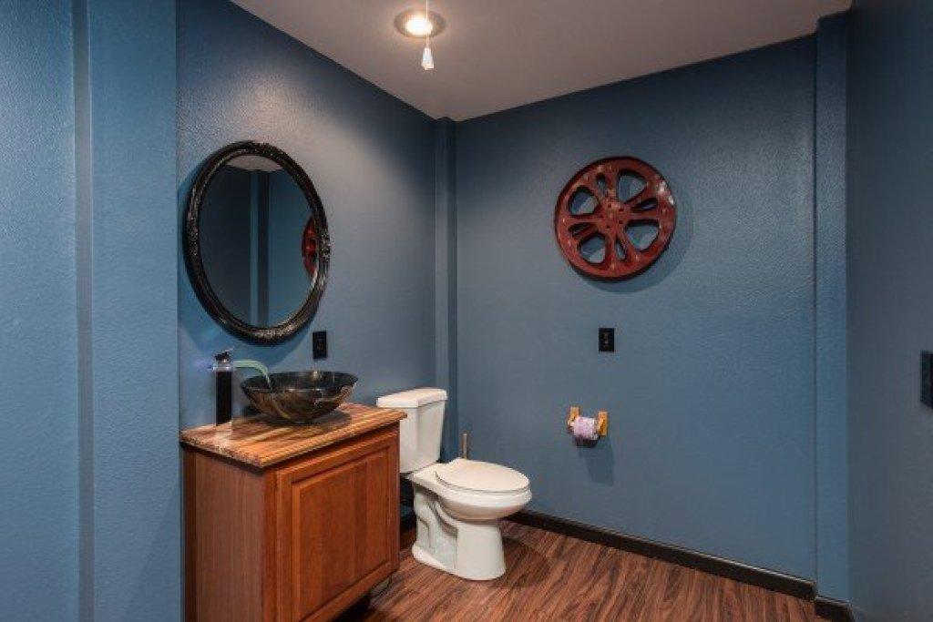 Photo of a Gatlinburg Cabin named Gatlinburg Movie Mansion - This is the twenty-third photo in the set.