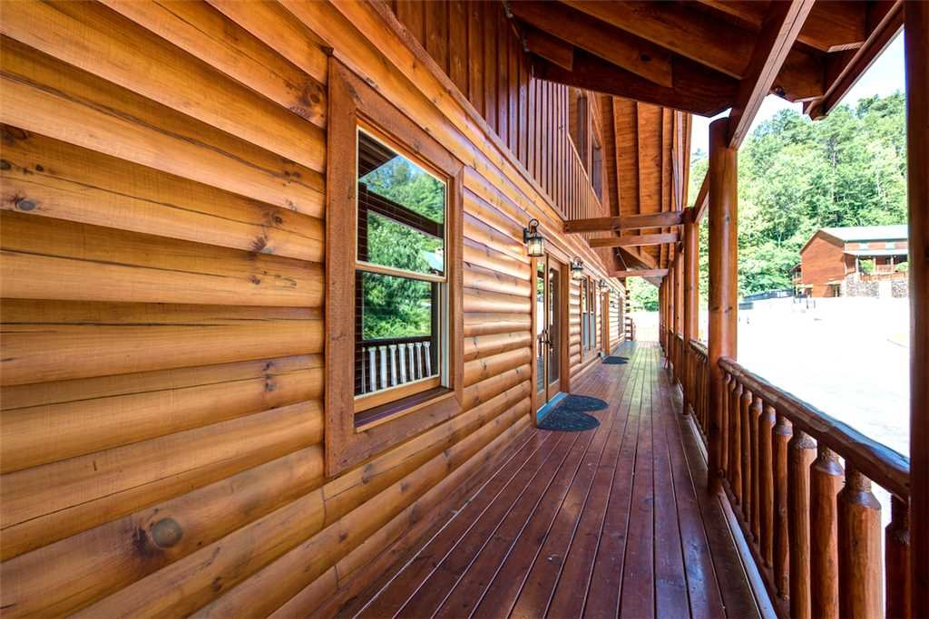 Photo of a Pigeon Forge Cabin named Sherwood Splash Lodge - This is the thirty-ninth photo in the set.