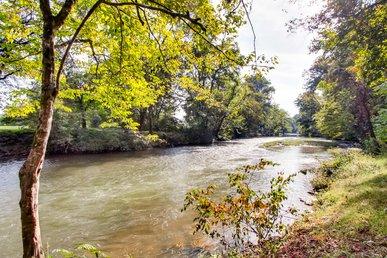 River Getaway #2326
