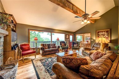 Stand In Awe, 4 Bedrooms, Fireplace, Views, Pool Table, Hot Tub, Sleeps 8