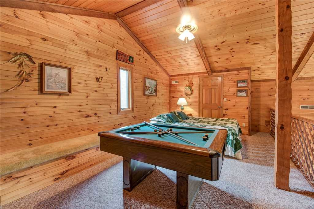 Photo of a Gatlinburg Cabin named Emerald View - This is the twentieth photo in the set.