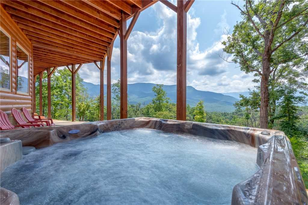 Photo of a Gatlinburg Cabin named Eagles View - This is the third photo in the set.
