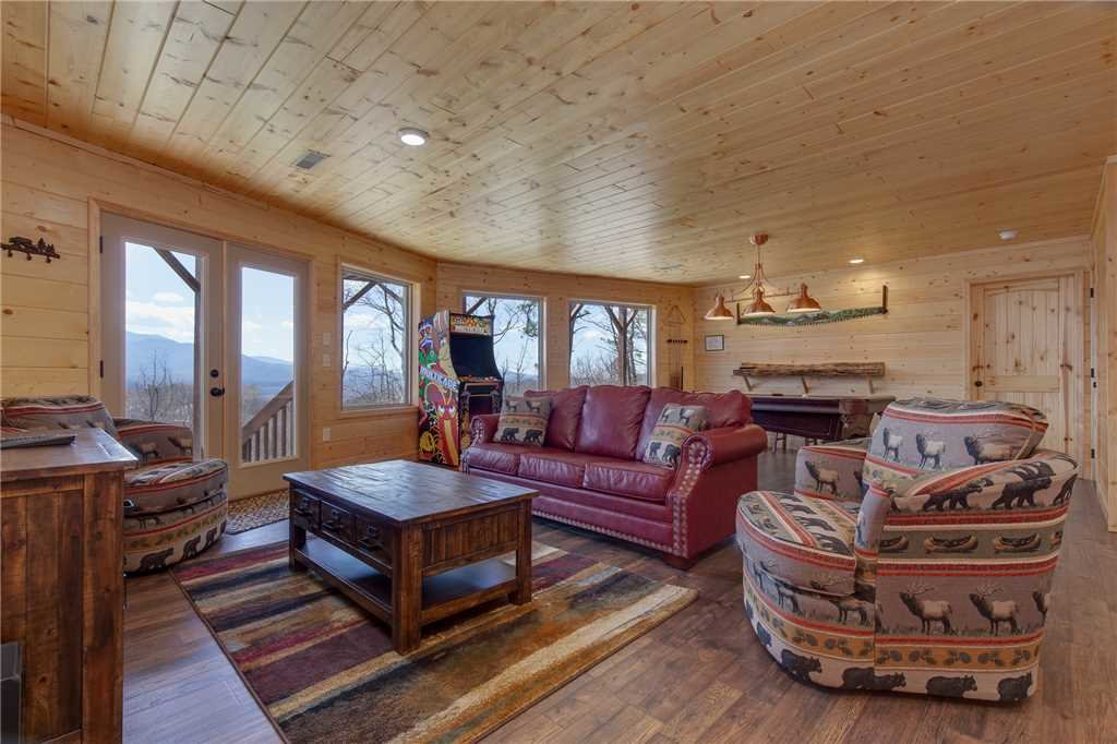 Photo of a Gatlinburg Cabin named Eagles View - This is the thirteenth photo in the set.