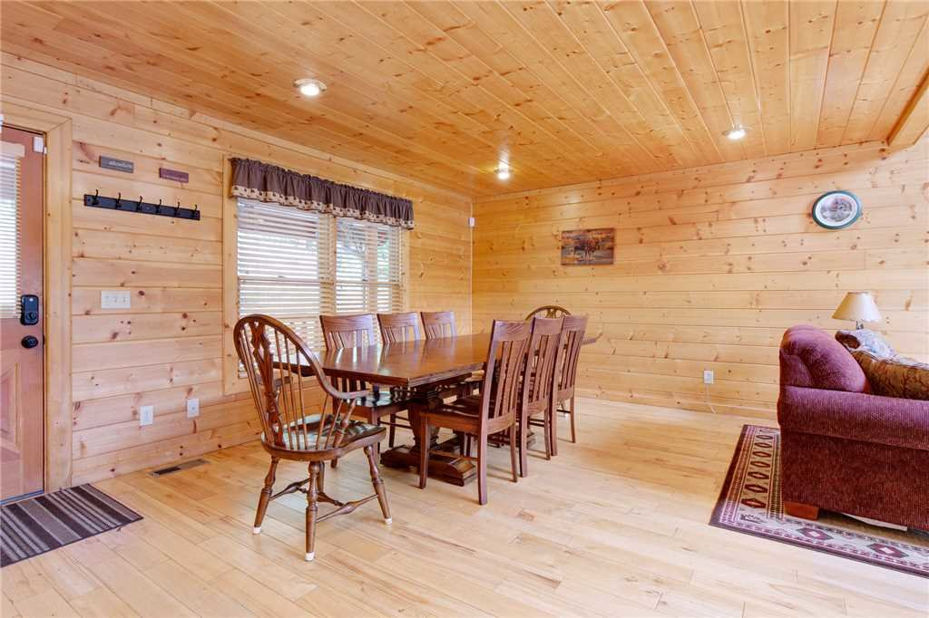 Photo of a Gatlinburg Cabin named Changes In Latitude - This is the seventh photo in the set.