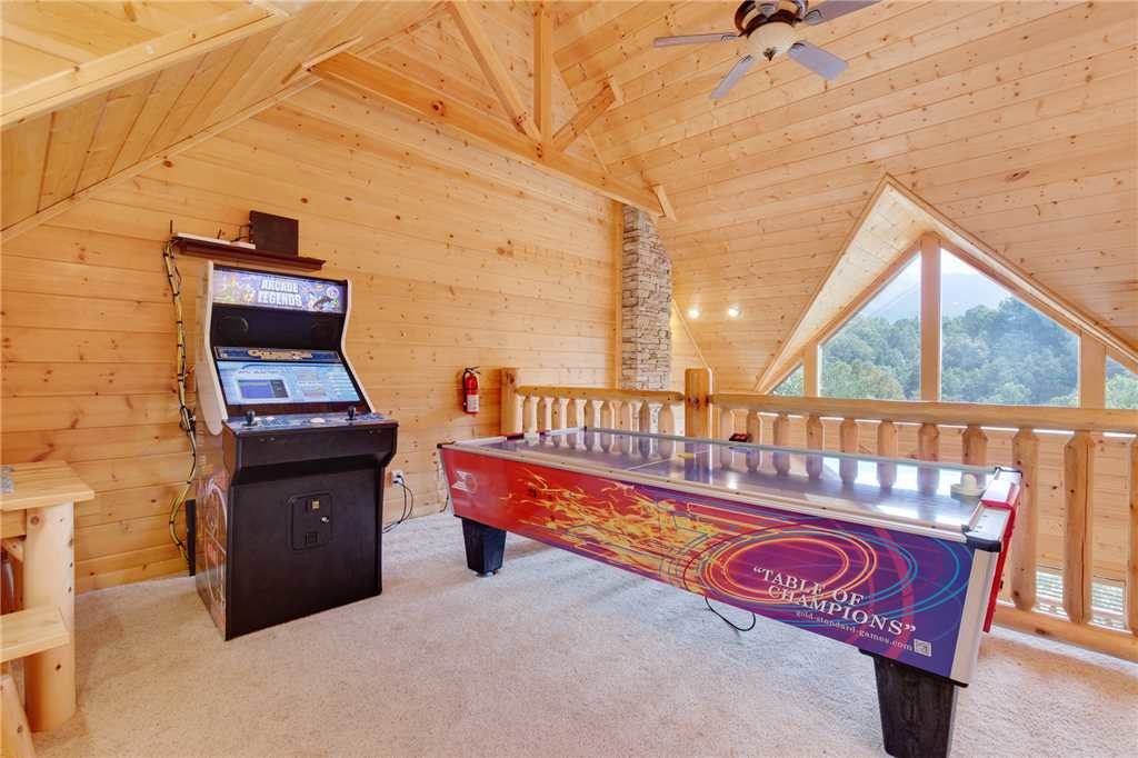 Photo of a Gatlinburg Cabin named Changes In Latitude - This is the fourteenth photo in the set.