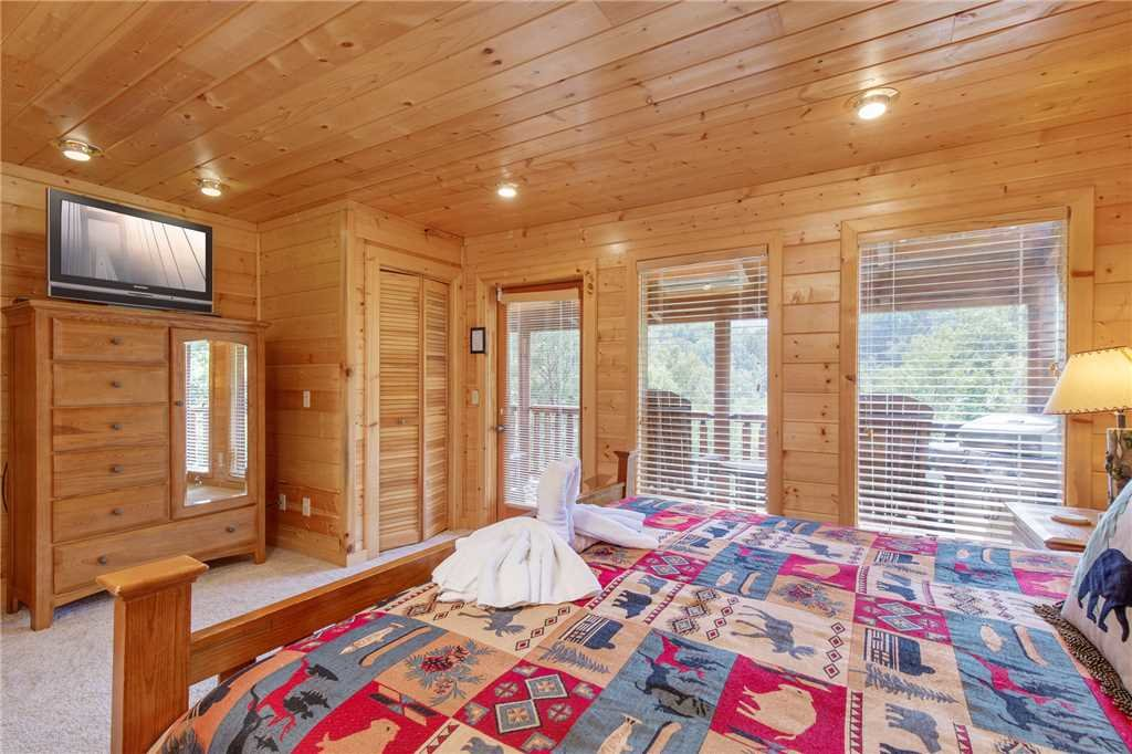 Photo of a Gatlinburg Cabin named Changes In Latitude - This is the twenty-second photo in the set.