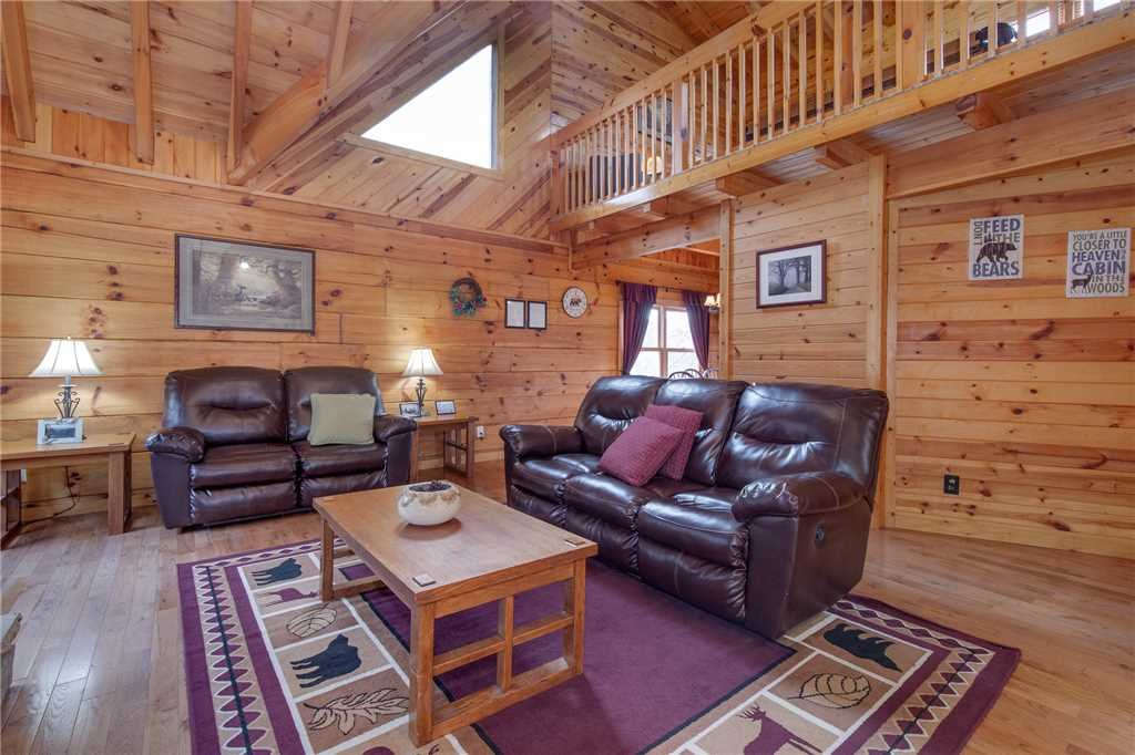 Photo of a Gatlinburg Cabin named Bear View - This is the fourth photo in the set.