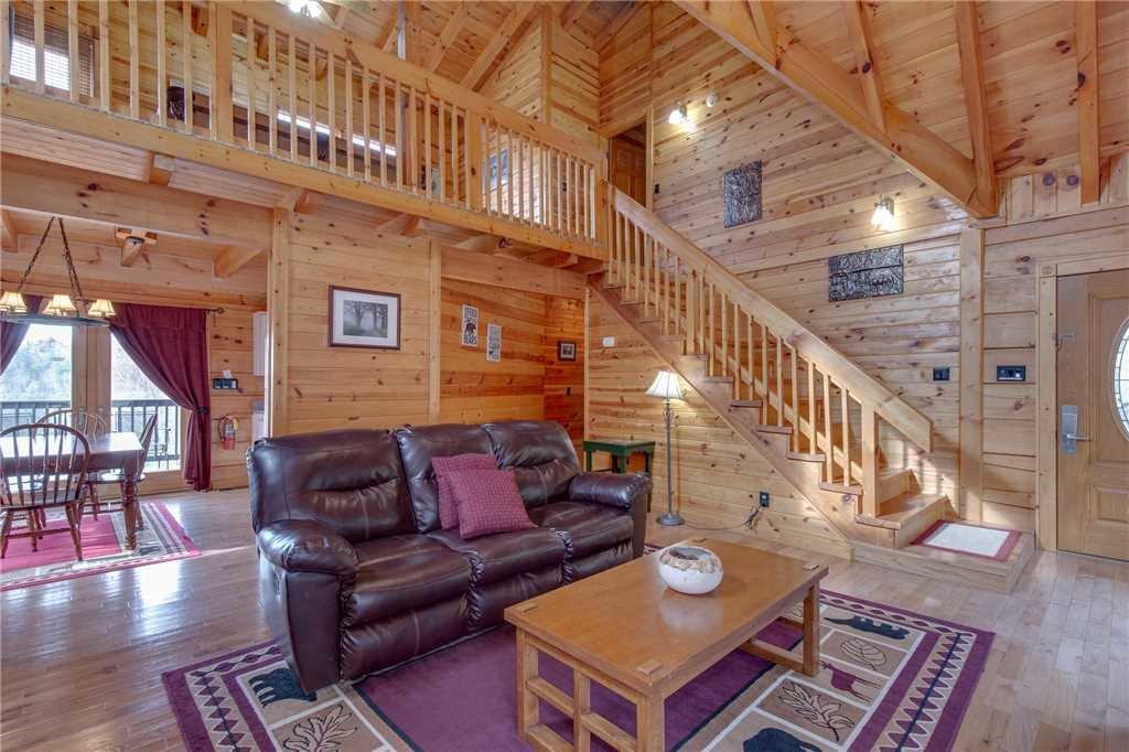 Photo of a Gatlinburg Cabin named Bear View - This is the sixth photo in the set.