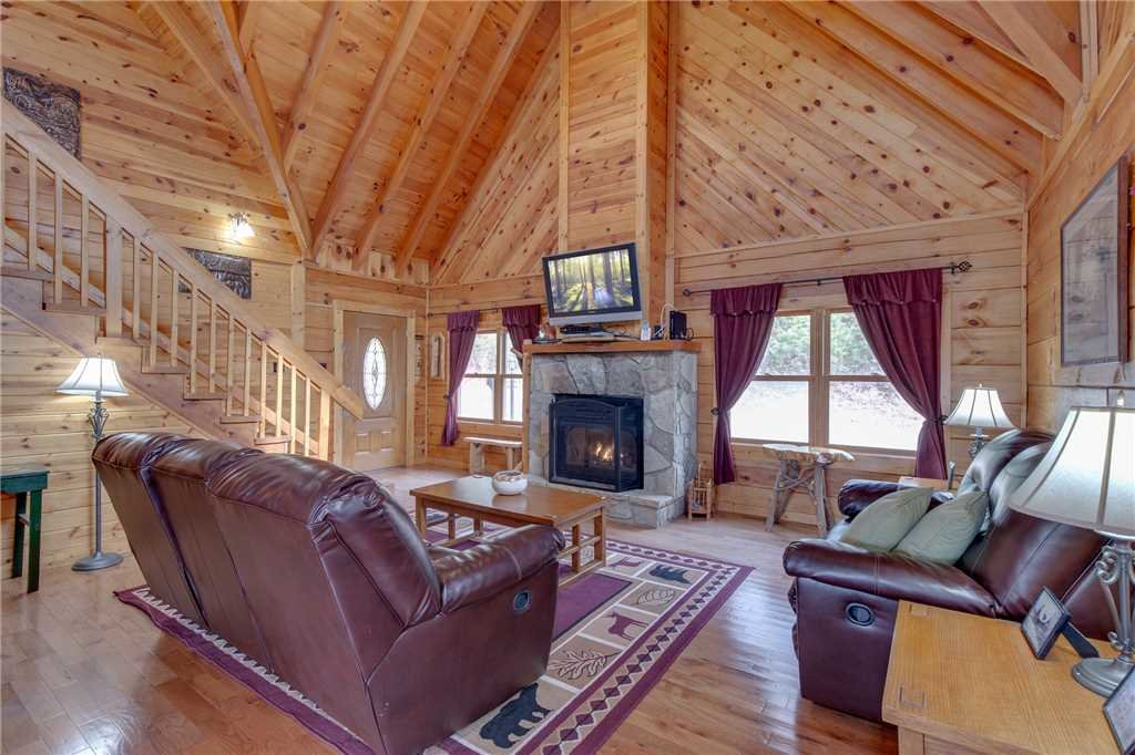 Photo of a Gatlinburg Cabin named Bear View - This is the first photo in the set.