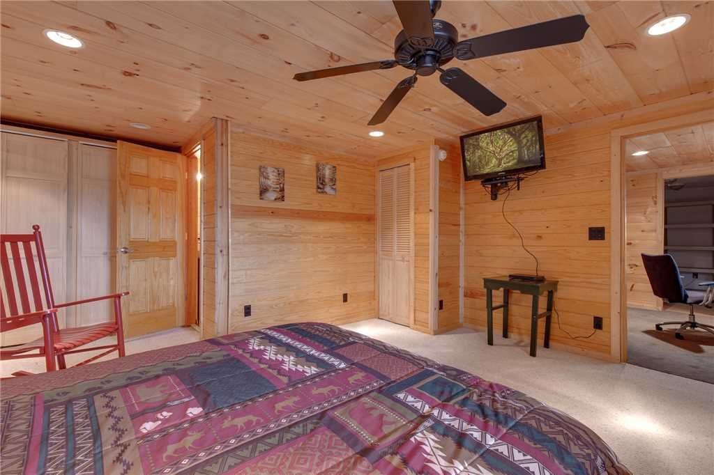 Photo of a Gatlinburg Cabin named Bear View - This is the twenty-first photo in the set.