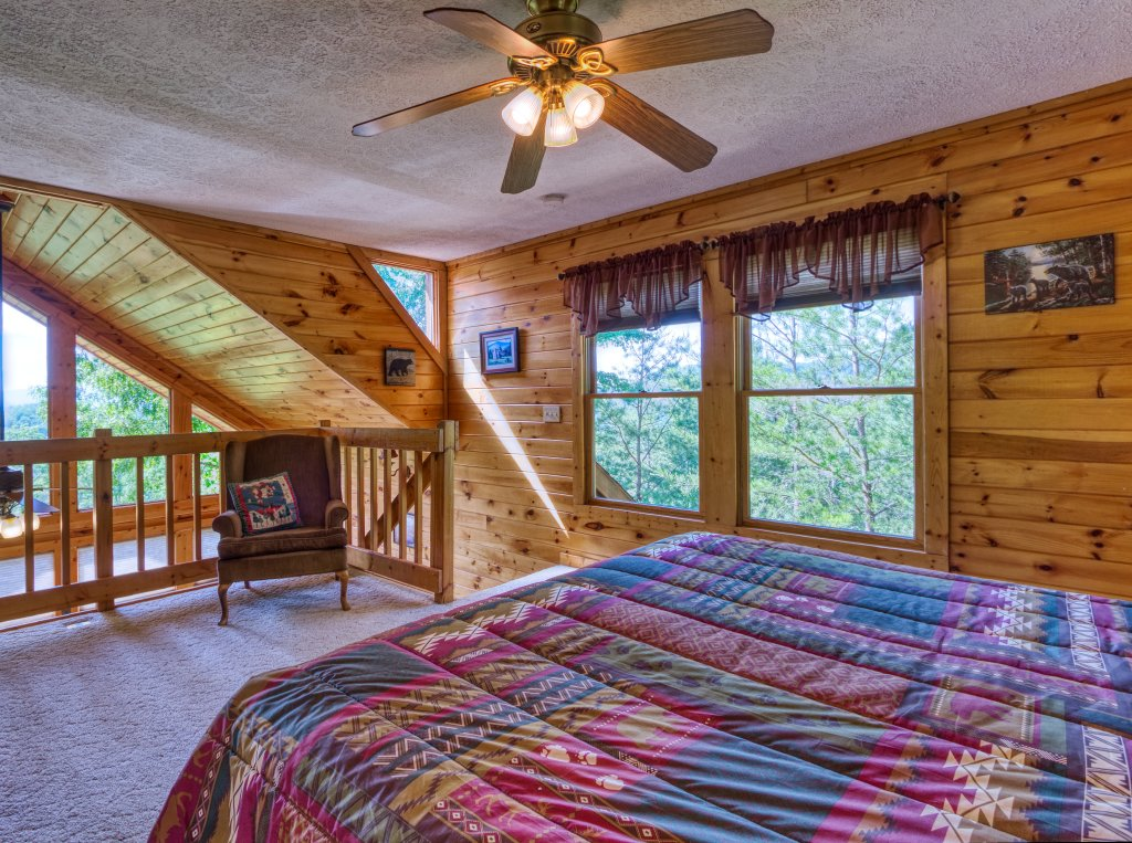 Photo of a Pigeon Forge Cabin named A Smoky Mountain Dream #291 - This is the eighteenth photo in the set.