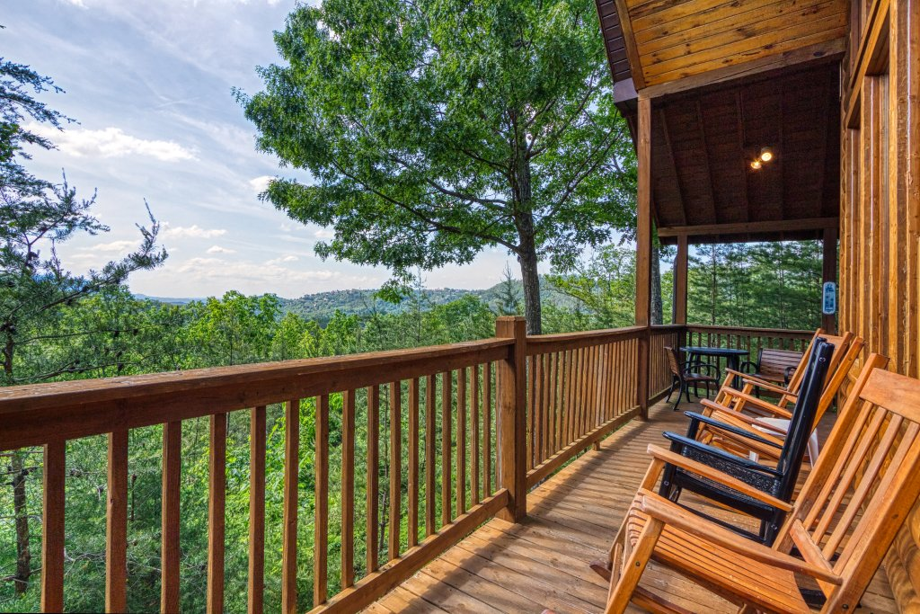Photo of a Pigeon Forge Cabin named A Smoky Mountain Dream #291 - This is the twenty-eighth photo in the set.