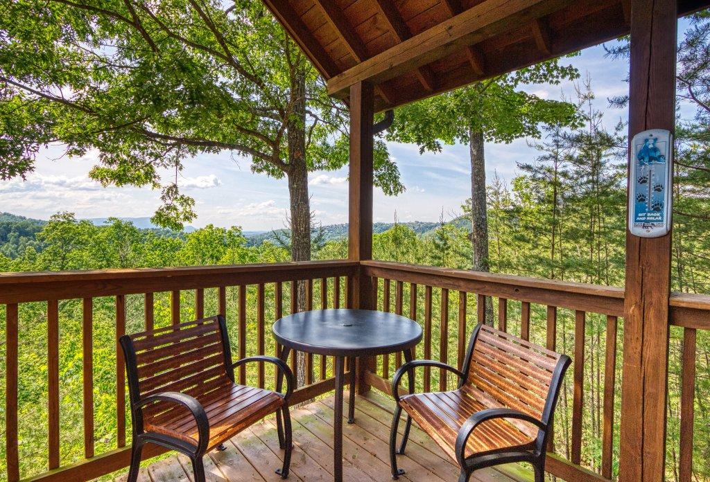 Photo of a Pigeon Forge Cabin named A Smoky Mountain Dream #291 - This is the twenty-fifth photo in the set.