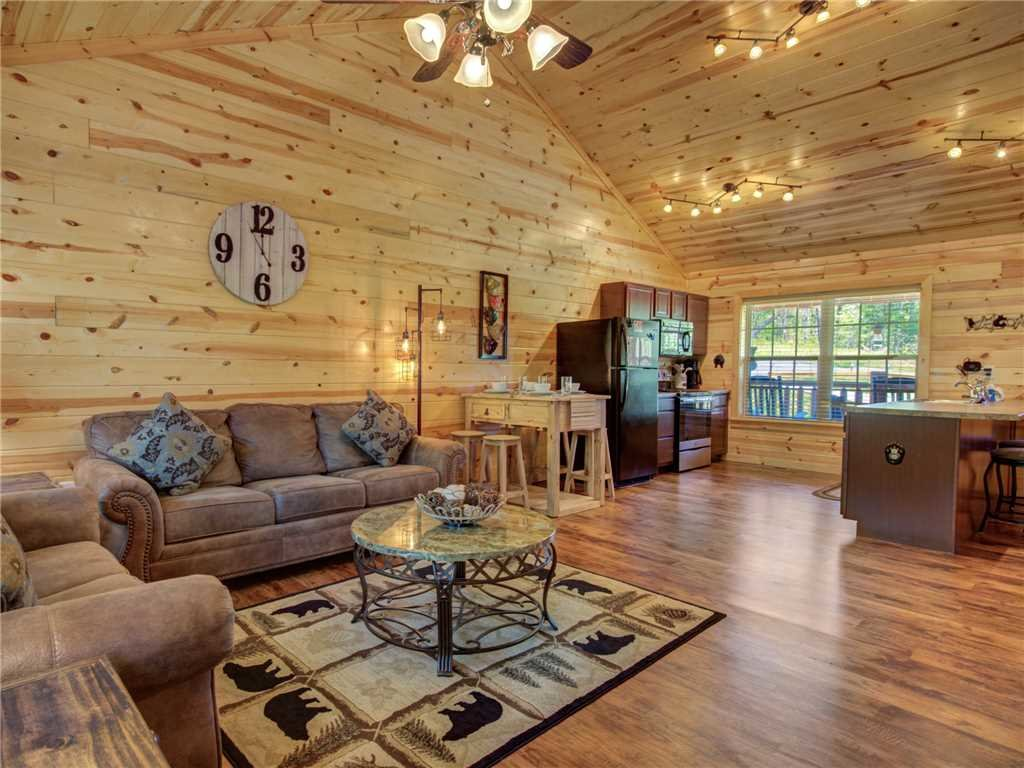 Photo of a Sevierville Cabin named Knotty By Nature - This is the fourth photo in the set.