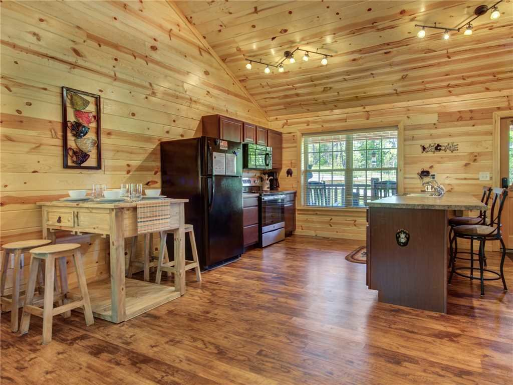 Photo of a Sevierville Cabin named Knotty By Nature - This is the eighth photo in the set.