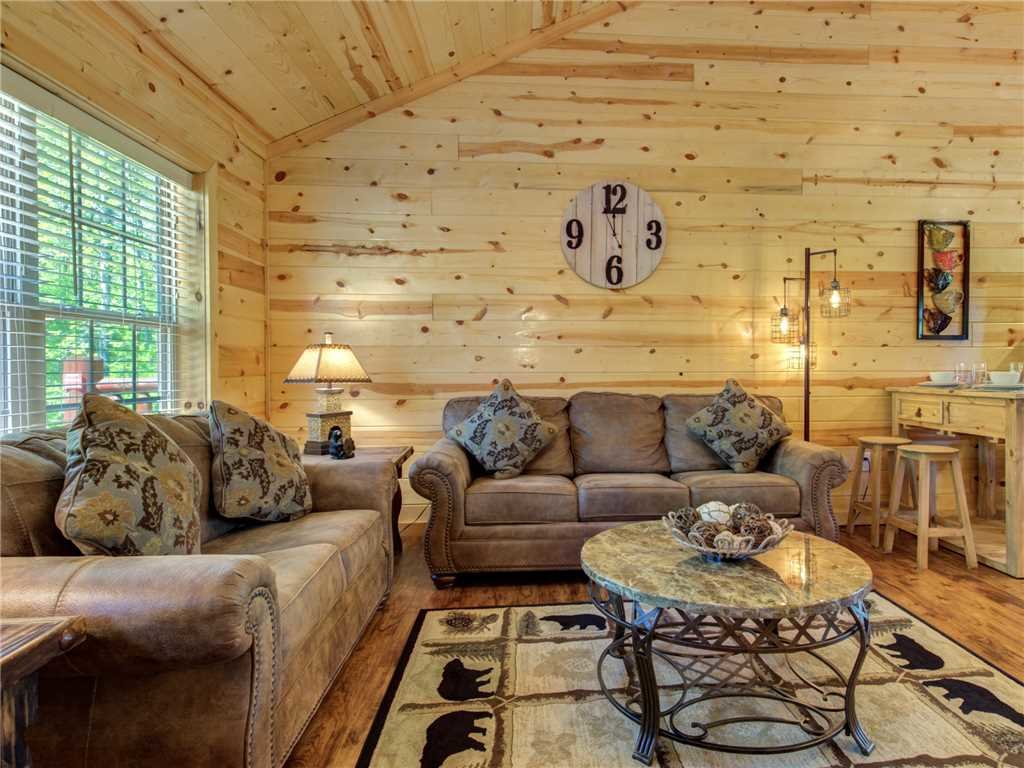 Photo of a Sevierville Cabin named Knotty By Nature - This is the seventh photo in the set.