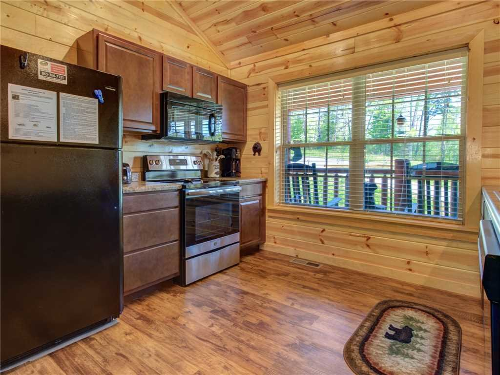 Photo of a Sevierville Cabin named Knotty By Nature - This is the eleventh photo in the set.