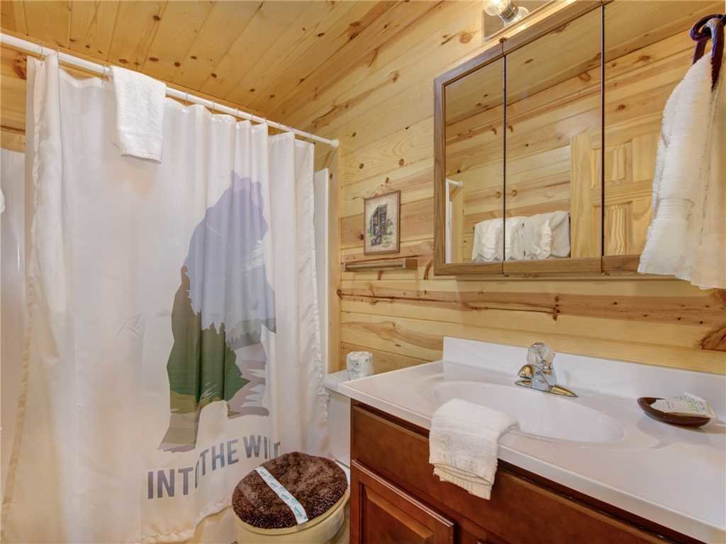 Photo of a Sevierville Cabin named Knotty By Nature - This is the twenty-second photo in the set.
