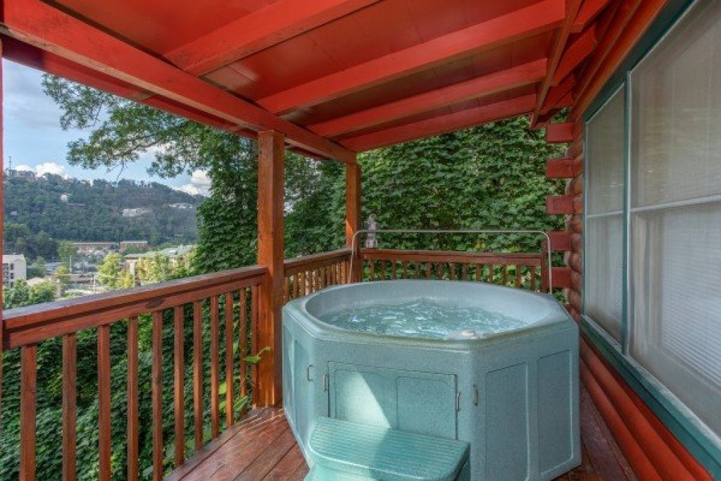 Photo of a Gatlinburg Cabin named Shiloh - This is the ninth photo in the set.