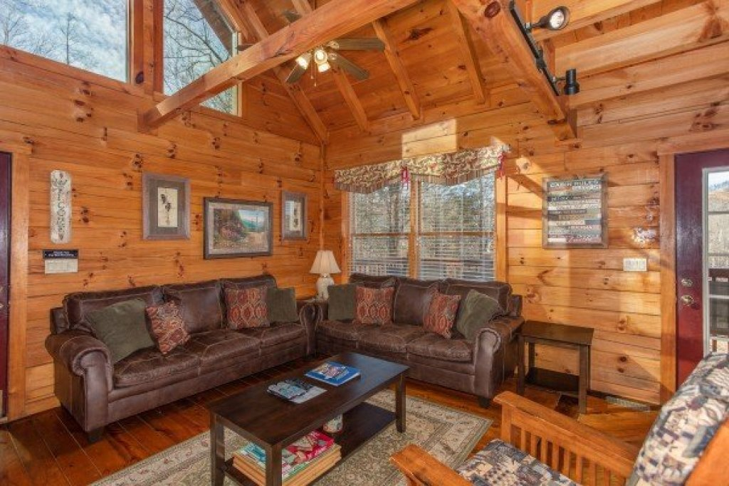 Photo of a Gatlinburg Cabin named Shiloh - This is the fifth photo in the set.