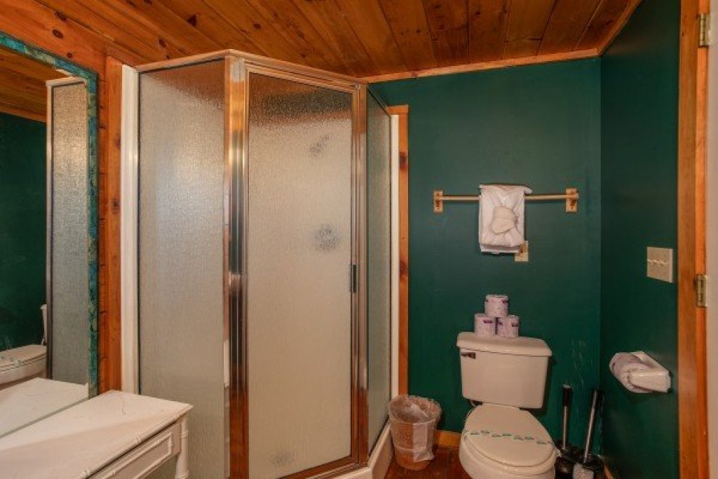 Photo of a Gatlinburg Cabin named Shiloh - This is the sixteenth photo in the set.