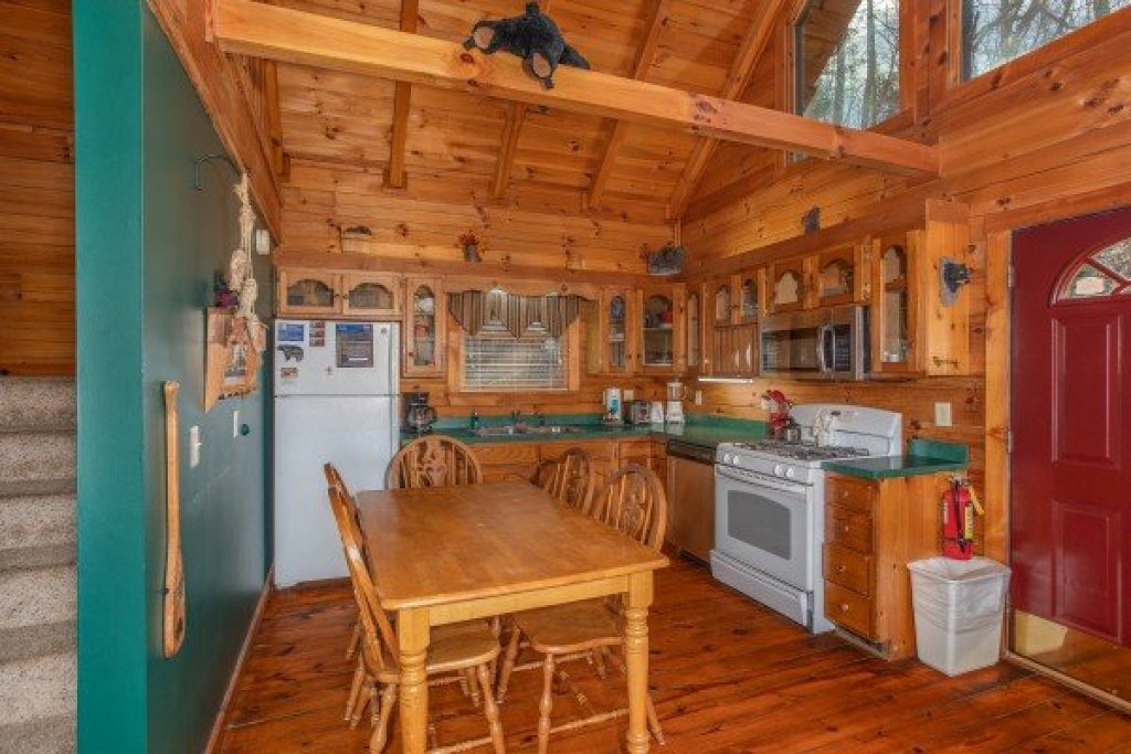 Photo of a Gatlinburg Cabin named Shiloh - This is the eighth photo in the set.