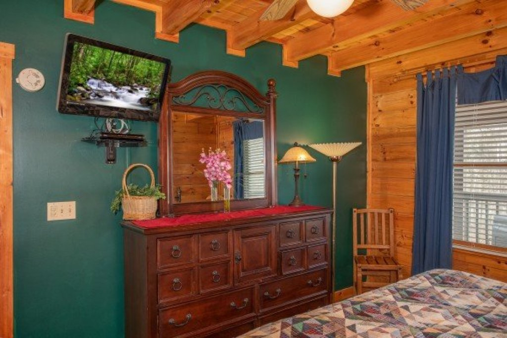 Photo of a Gatlinburg Cabin named Shiloh - This is the fourteenth photo in the set.