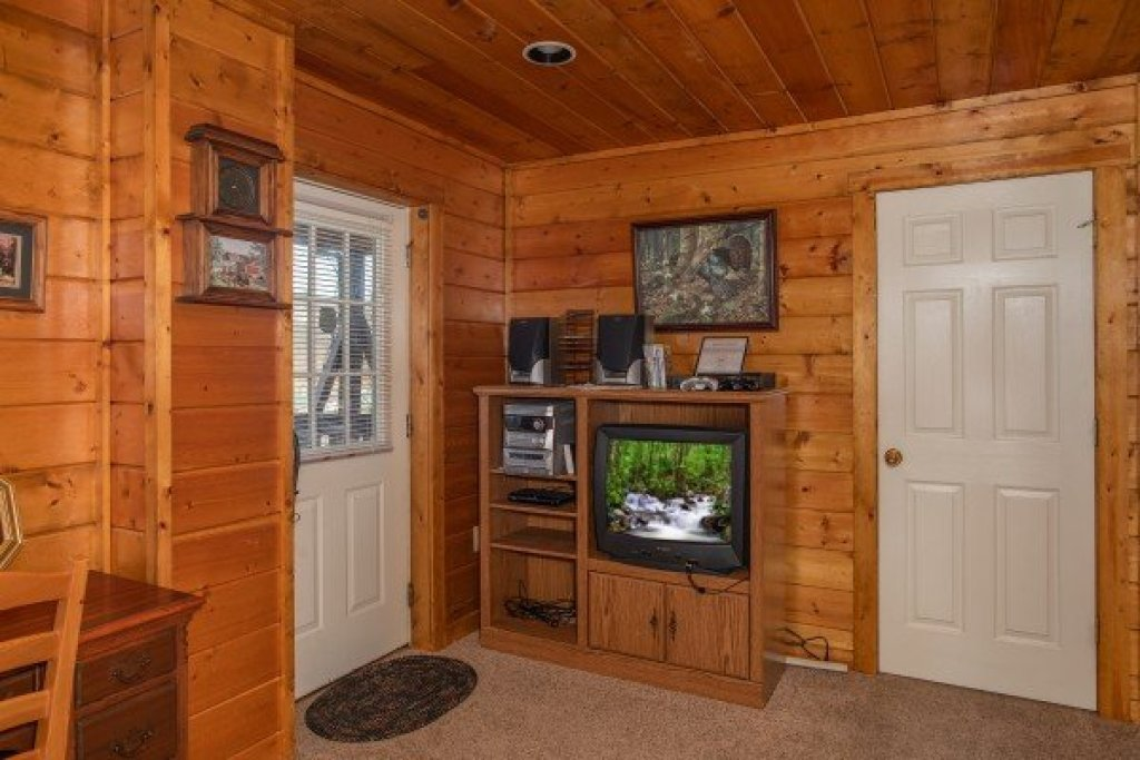 Photo of a Gatlinburg Cabin named Shiloh - This is the eighteenth photo in the set.