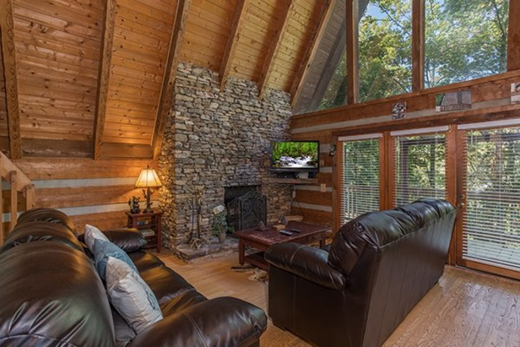 Photo of a Gatlinburg Cabin named Soaring Heights - This is the fourth photo in the set.