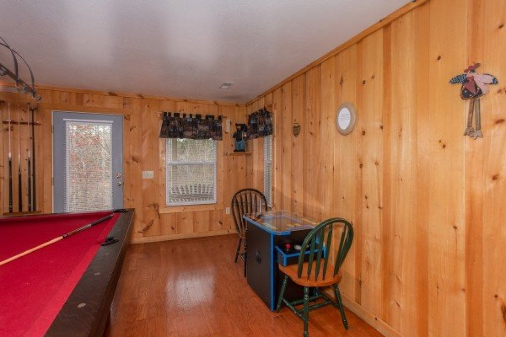 Photo of a Sevierville Cabin named Bearly In The Mountains - This is the fifteenth photo in the set.