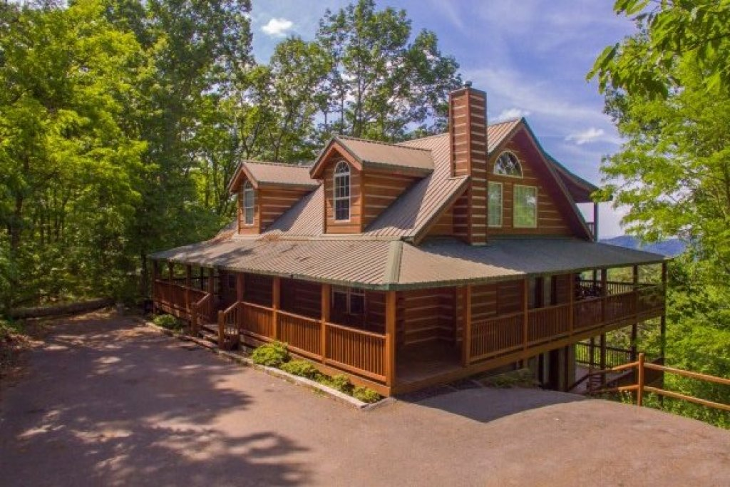 Photo of a Gatlinburg Cabin named On Angels Wings - This is the first photo in the set.