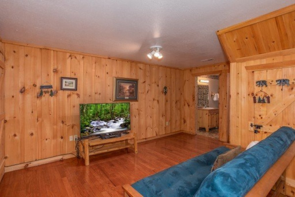 Photo of a Sevierville Cabin named Bearly In The Mountains - This is the seventeenth photo in the set.