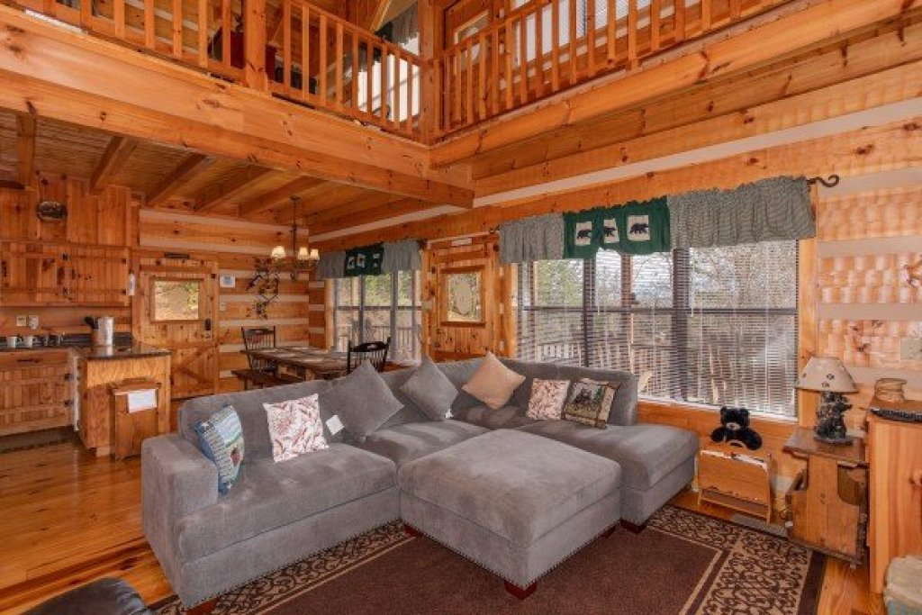 Photo of a Sevierville Cabin named Oh The View - This is the sixth photo in the set.
