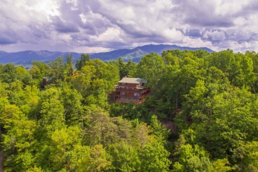 Photo of a Gatlinburg Cabin named On Angels Wings - This is the thirty-seventh photo in the set.