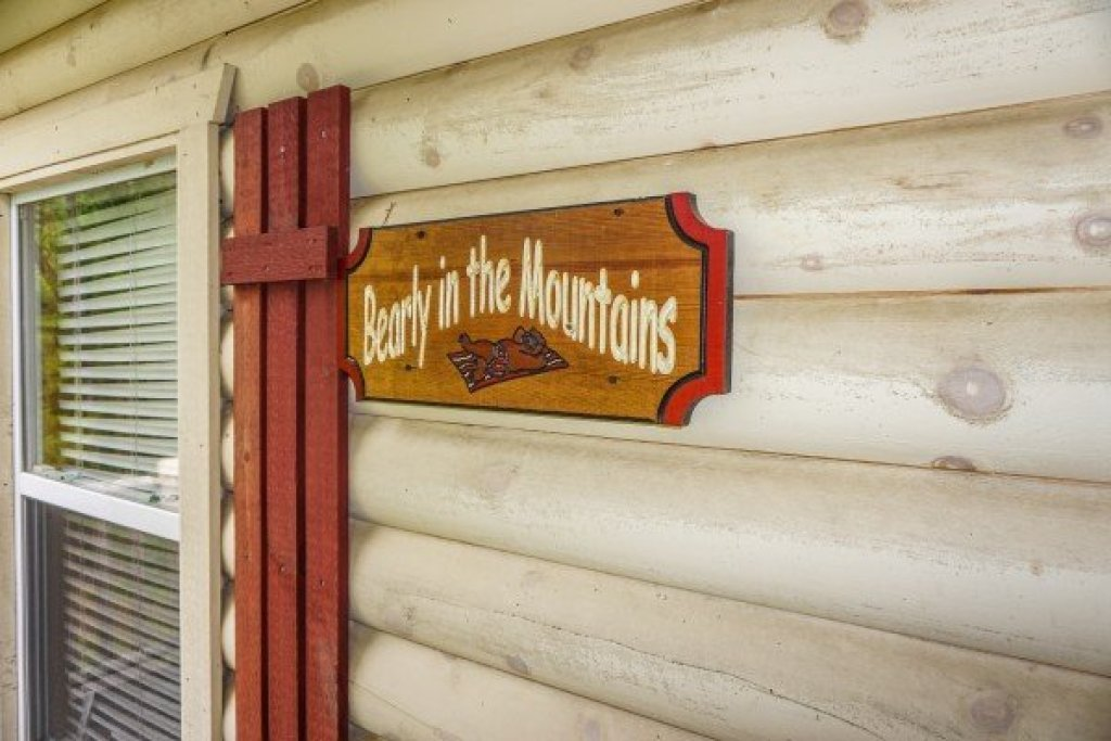 Photo of a Sevierville Cabin named Bearly In The Mountains - This is the twenty-eighth photo in the set.