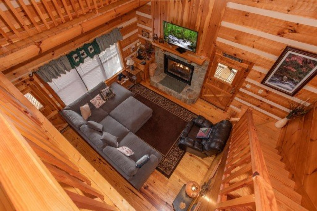 Photo of a Sevierville Cabin named Oh The View - This is the twenty-first photo in the set.