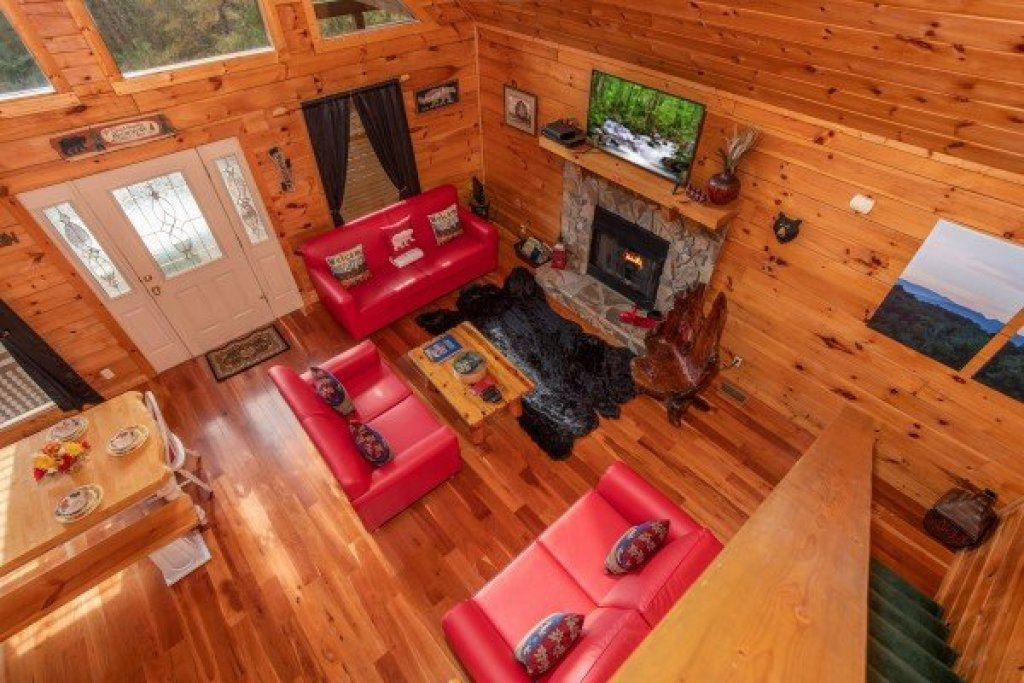 Photo of a Pigeon Forge Cabin named Hibernation Station - This is the twenty-third photo in the set.