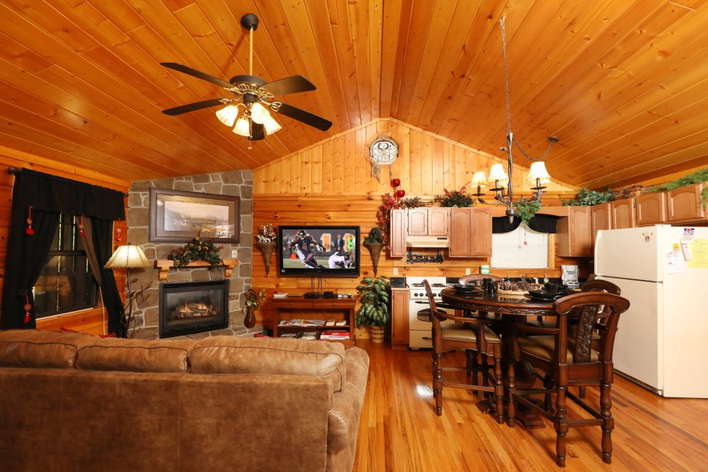 Photo of a Pigeon Forge Cabin named Cherokee Nights #132 - This is the twelfth photo in the set.