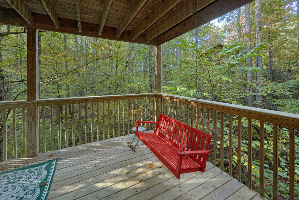Photo of a Sevierville Cabin named Rooster Ridge Cabin #231 - This is the twenty-second photo in the set.