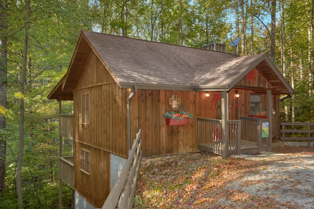 Photo of a Sevierville Cabin named Rooster Ridge Cabin #231 - This is the twenty-fourth photo in the set.