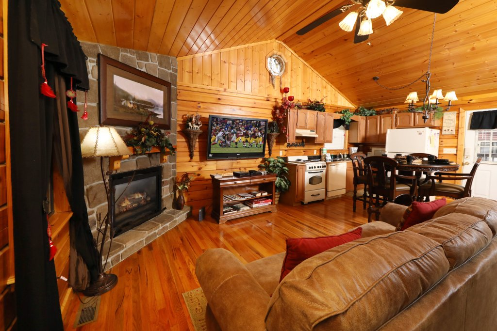Photo of a Pigeon Forge Cabin named Cherokee Nights #132 - This is the seventeenth photo in the set.