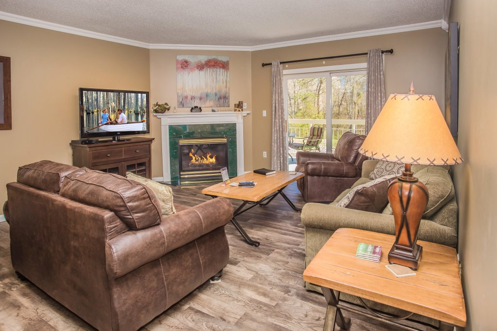 Photo of a Pigeon Forge Condo named Whispering Pines 413hc - This is the first photo in the set.