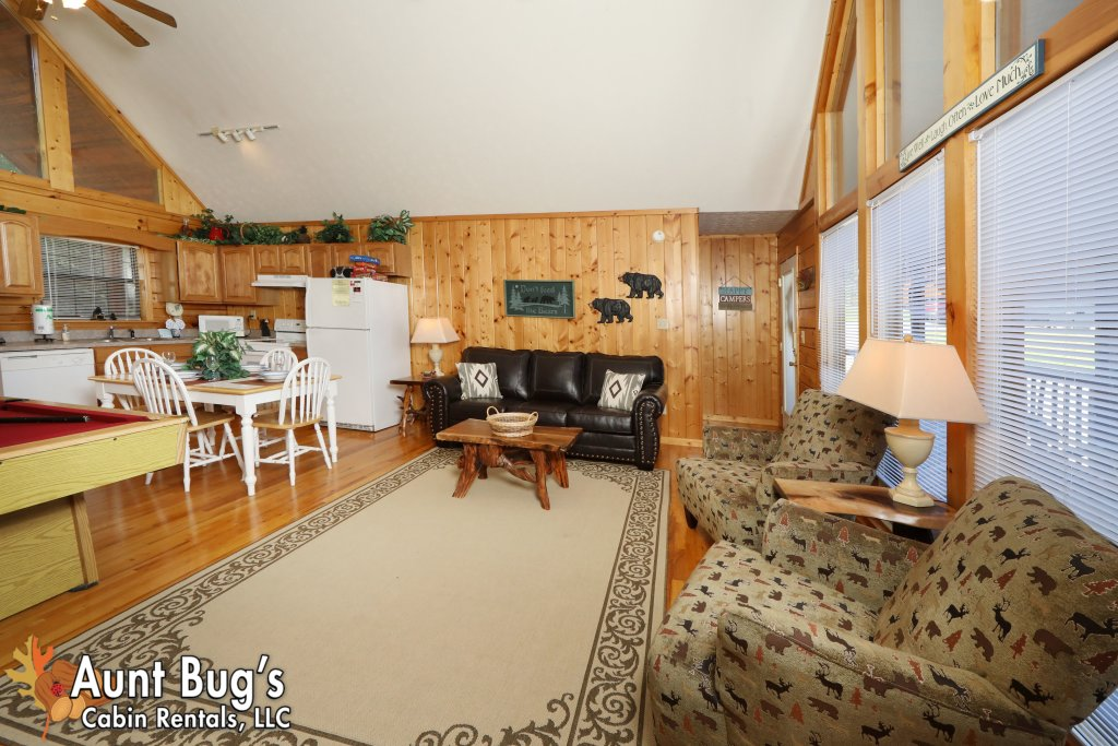 Photo of a Pigeon Forge Cabin named Sun-sational View #245 - This is the forty-third photo in the set.