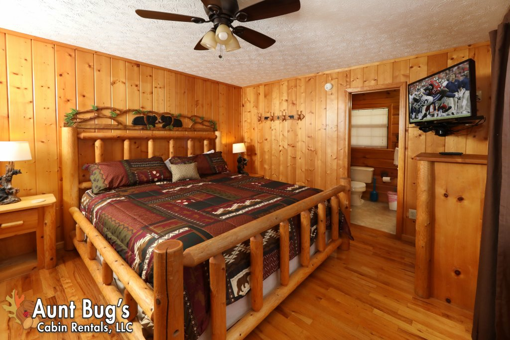 Photo of a Pigeon Forge Cabin named Sun-sational View #245 - This is the forty-fourth photo in the set.