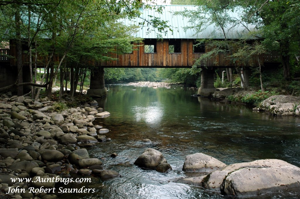 Photo of a Gatlinburg Cabin named Angler's Perch #2523 - This is the twenty-fifth photo in the set.