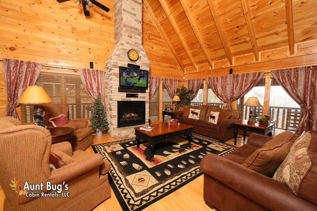 Photo of a Sevierville Cabin named Absolutely Wonderful #304 - This is the third photo in the set.