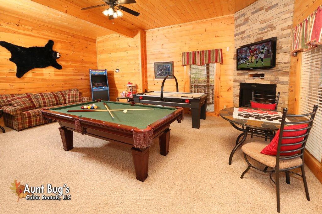 Photo of a Sevierville Cabin named Absolutely Wonderful #304 - This is the fourth photo in the set.