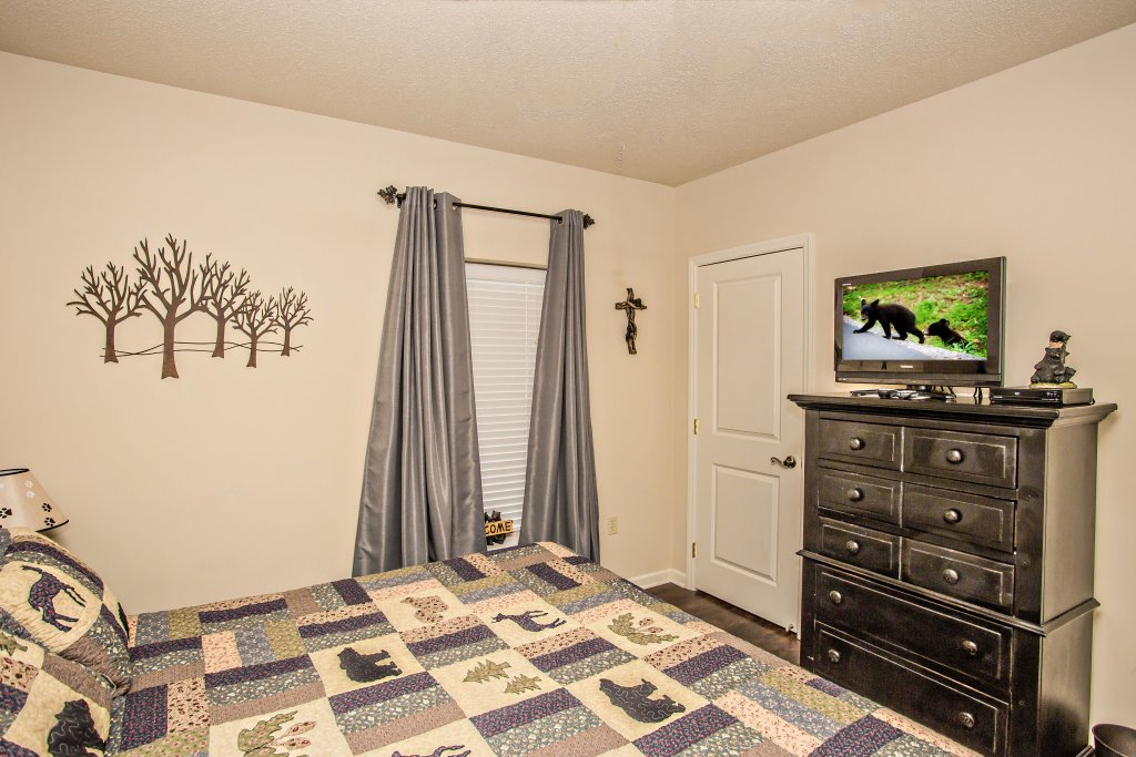 Photo of a Pigeon Forge Condo named Cedar Lodge 202 - This is the twelfth photo in the set.