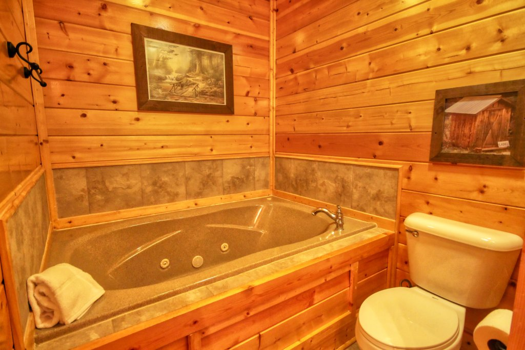 Photo of a Pigeon Forge Cabin named Tennessee Treasure #232 - This is the twentieth photo in the set.